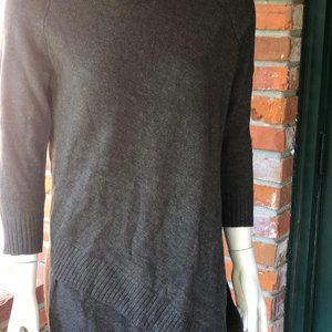 THE LIMITED long sleeve sweater sz Med
